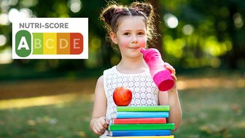 Evaluation Nutri-score de la collation d'une petite fille (pomme, eau).