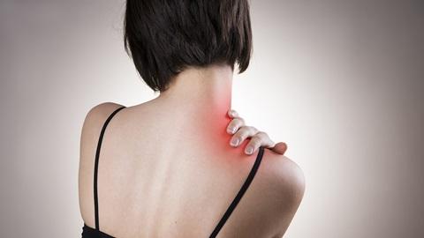 La maladie fibromyalgie: symptômes, traitement, test, comment soigner & les causes possibles