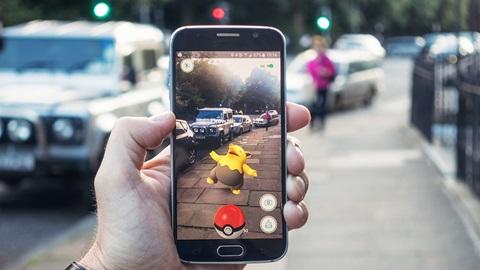 Smartphone avec Pokemon