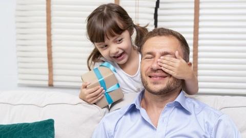 cadeaux fête des pères hightech papa smartphone