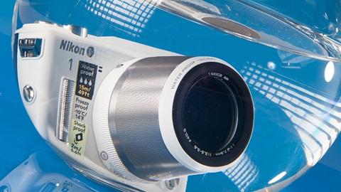 Appareil Nikon AW1 étanche
