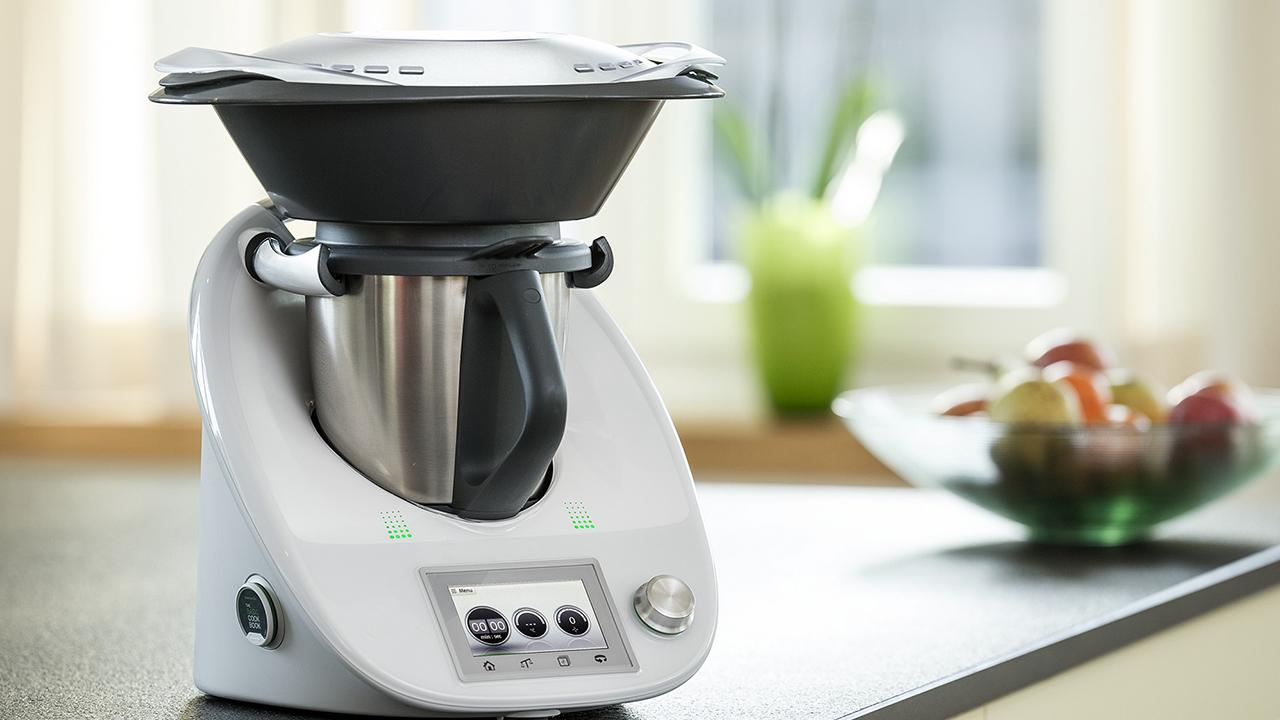 Robots cuiseurs pratiques mais tr s chers - Robot qui cuisine tout seul ...