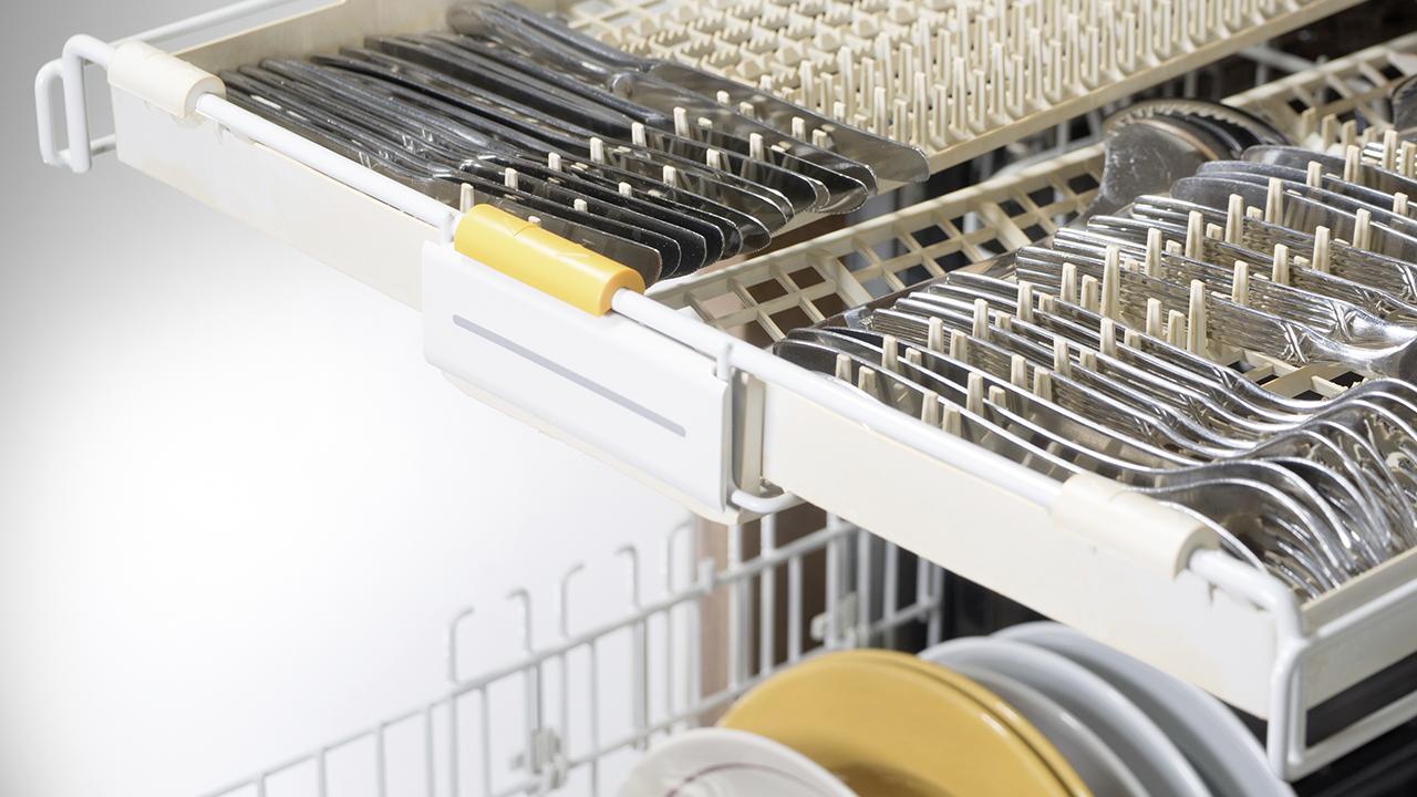 lave-vaisselle: un tiroir à couverts est-il préférable?