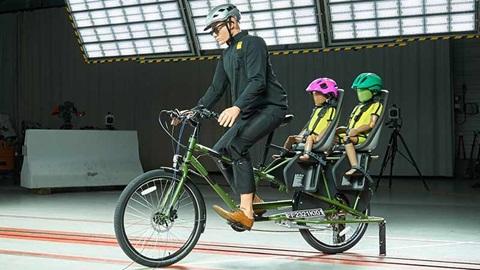 crash test des systèmes de transports d'enfants à vélo