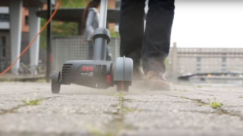 Skil Weedbuster en action