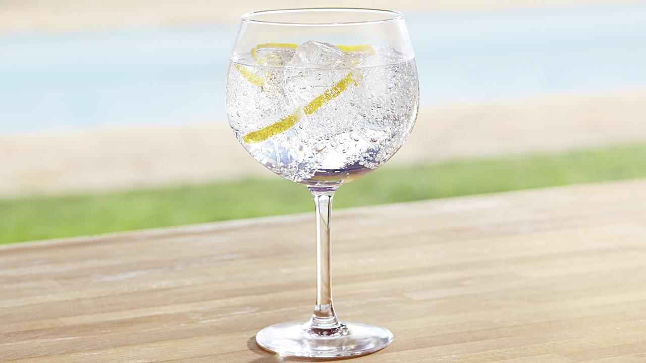 gin-7-marques-au-banc-dessai